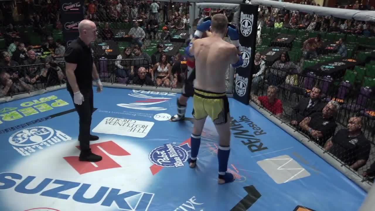 KO, Kickboxing, Knockout, Punch, muaythai, Leon Delgado KO's Mike McCormick GIFs