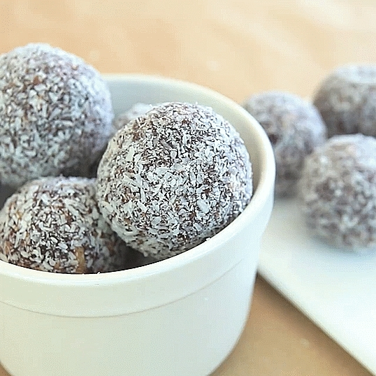 GifRecipes, vegangifrecipes, Chocolate Cherry Energy Balls GIFs