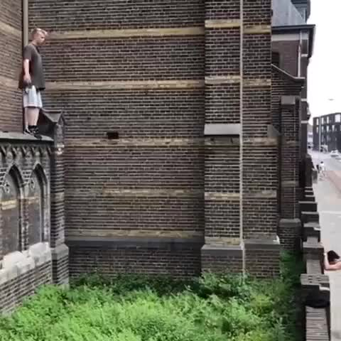 Watch Video by movemendijs GIF on Gfycat. Discover more BeAmazed, Parkour GIFs on Gfycat