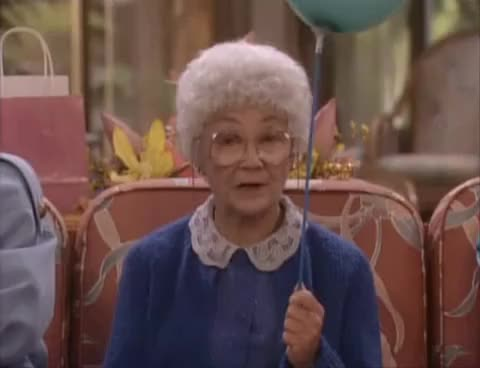 Watch and share Blanche GIFs and Ballon GIFs on Gfycat