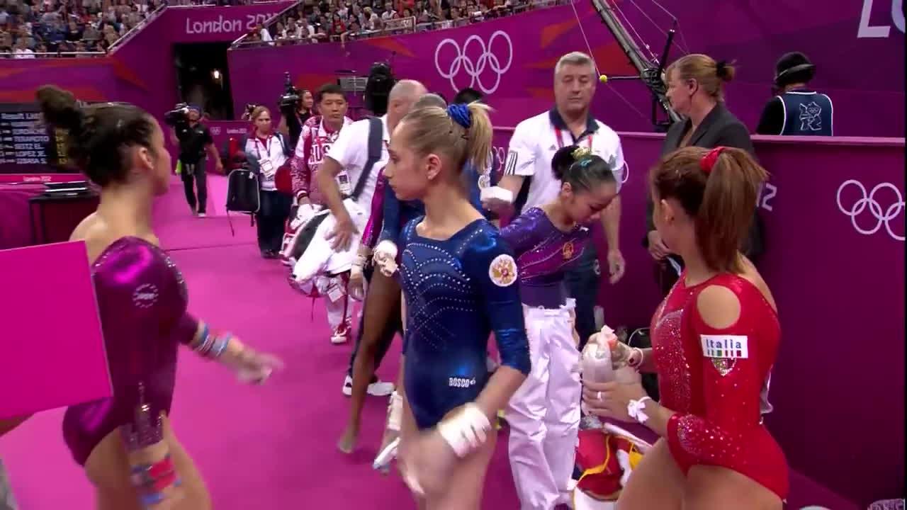 Alexandra Raisman, Aliya Mustafina (Athlete), Artistic Gymnastics (Sport), Bars, Diva, Gymnastics, Olympics, olympics 2012 GIFs