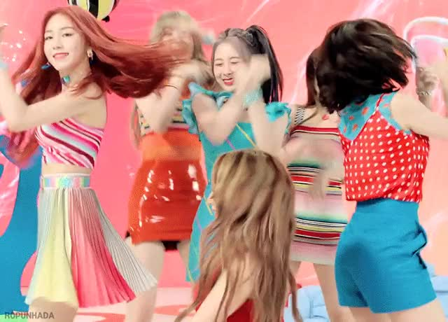 Watch and share 로켓펀치 GIFs on Gfycat