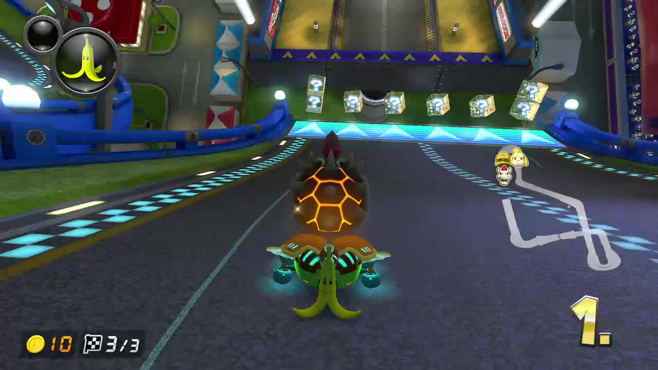 [MK8DX] Looking at the minimap to see if someone is taking a shortcut is a great way to snipe them right afterwards GIFs