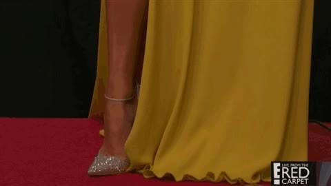 goldenglobes, headtotoe, jenniferlopez, Jennifer Lawrence Golden Globe Outfit GIFs