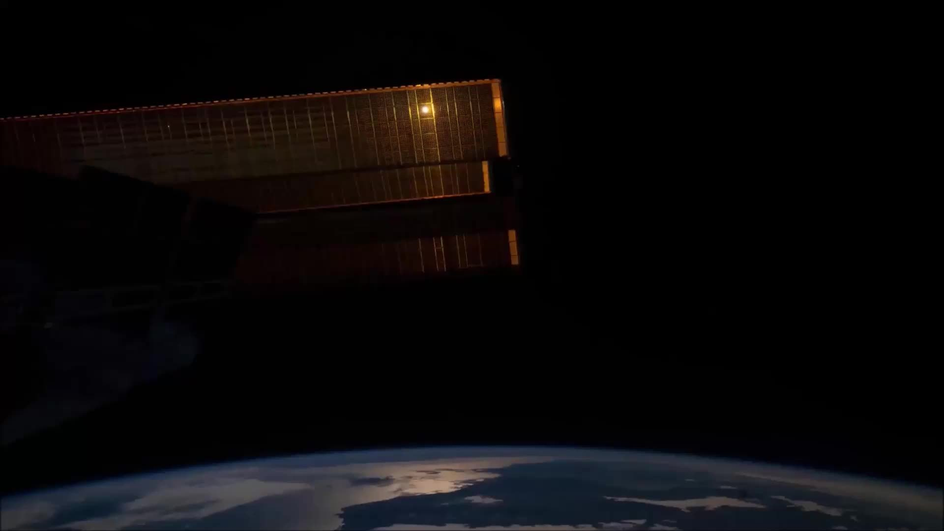 SpaceGfys, spacegfys, A loop of the earth from the ISS. (reddit) GIFs