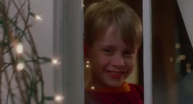 Macaulay Culkin, bye, hello, hi, home alone, kevin, petty, wave, Home Alone Petty Wave GIFs