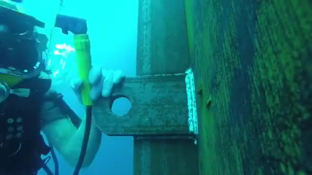 Watch and share Underwater Welding GIFs and Metalwork GIFs by skydiver on Gfycat