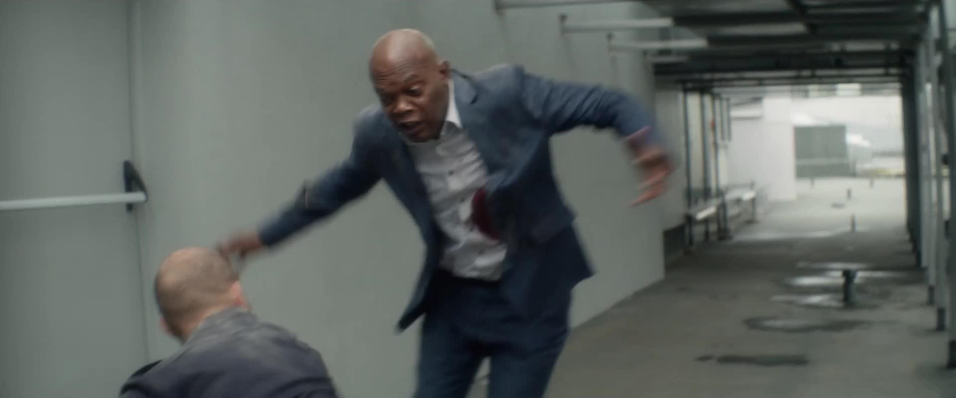 Lionsgate, Samuel L. Jackson, The Hitman's Bodyguard, TheHitman'sBodyguard, hitmans bodyguard, lionsgate, movie, movies, ryan reynolds, ryanreynolds, samuel l. jackson, samueljackson, the hitmans bodyguard, the hitman's bodyguard, thehitman'sbodyguard, knife fight GIFs