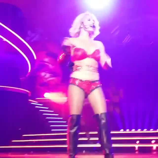 Watch and share Britney Spears GIFs by qwerty23832 on Gfycat