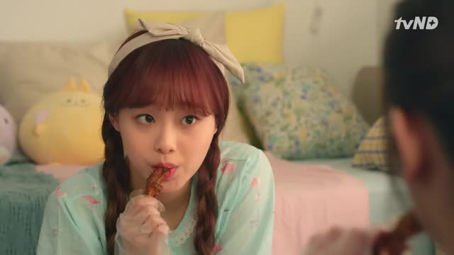 Watch and share Chuu GIFs by The Bakery on Gfycat
