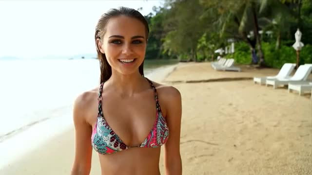 Watch and share Xenia Deli GIFs and Blow Kiss GIFs by shapesus on Gfycat