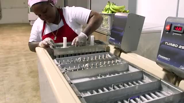 Watch and share How 215,000 Meals Are Made For Super Bowl LIV GIFs by Lefran on Gfycat