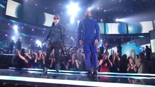 Justin Bieber & Usher - OMG vevo playlist vevo music usher records pop omg never say never never music justinbiebervevo justin bieber justin jaden smith island grammys grammy awards bieber baby GIF