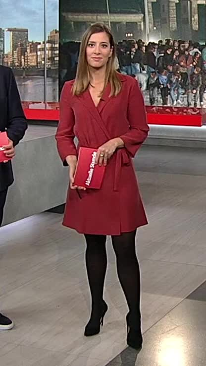 Watch and share Catherine Vogel 20191109 1/2 GIFs by blueclegs on Gfycat
