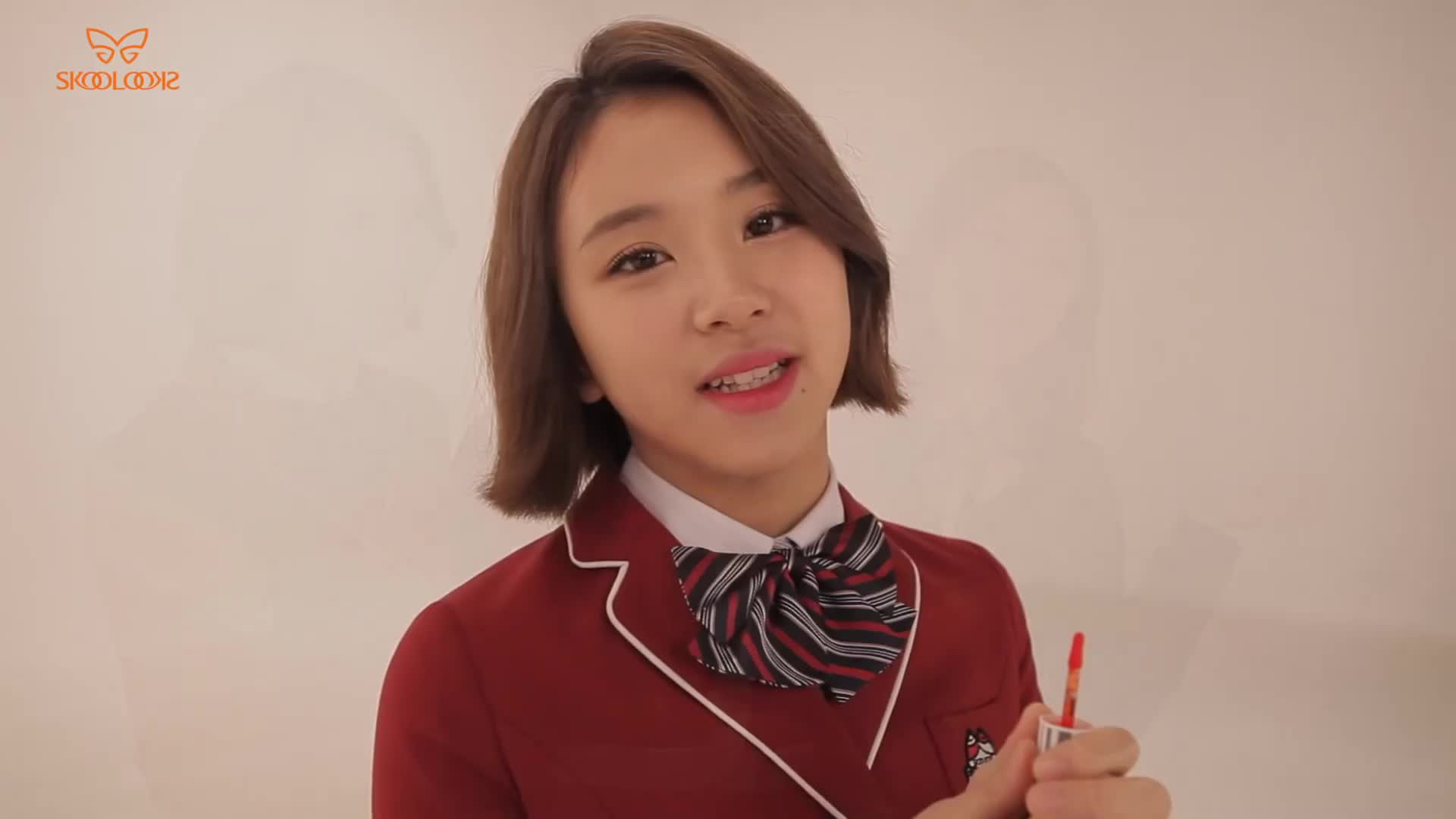 celebs, chaeyoung, kpop, twice, Chae kiss GIFs