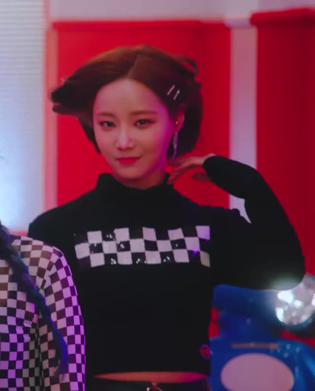 Watch and share Momoland GIFs and Yeonwoo GIFs by Just Dancing on Gfycat