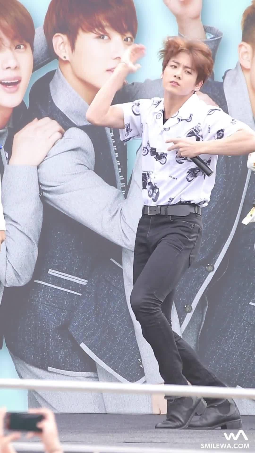 kfanservice, Jungkook... those thighs!! (reddit) GIFs