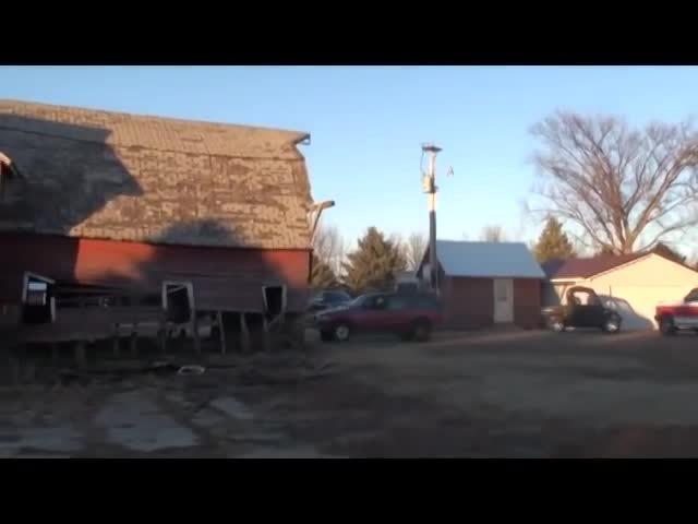 premiere_elements_9, Redneck Barn Demolition GIFs