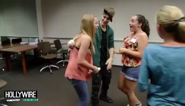 Justin Bieber, Justin Bieber pranks fans GIFs