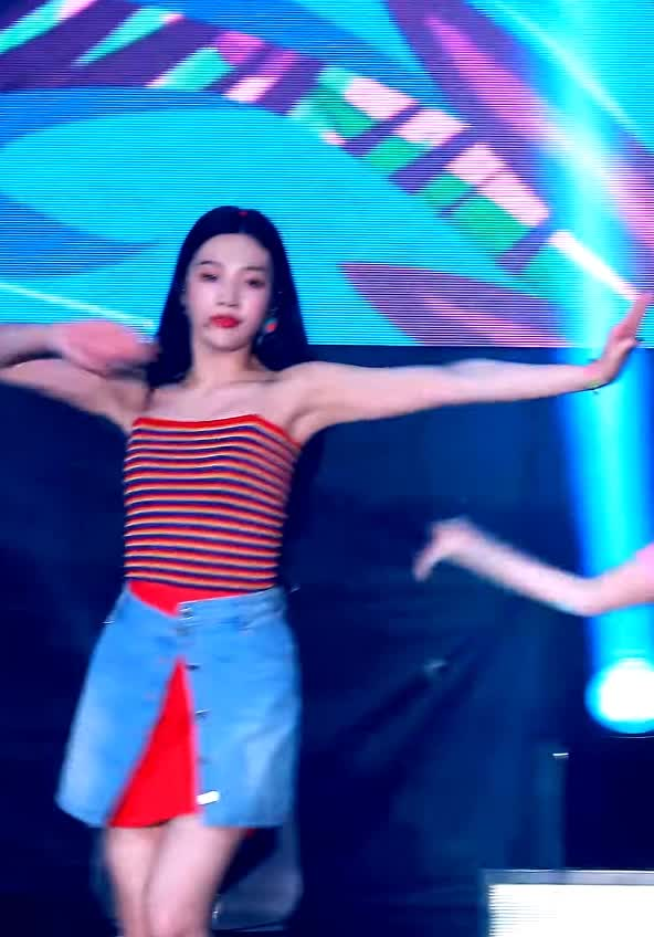 Watch and share 레드벨벳 GIFs and Joy GIFs by koreaactor on Gfycat