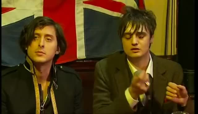 Watch The Libertines Back GIF on Gfycat. Discover more Carl Barât, Peter Doherty, The Libertines GIFs on Gfycat
