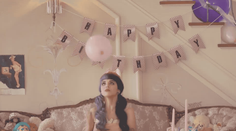 alone, ballon, bday, best, birthday, bored, boring, failure, happy, happy birthday, lonely, martinez, melanie, pity, stood, up, wait, waiting, wishes, Melanie Martinez - Pity party GIFs