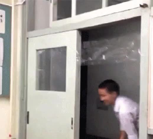 Watch this prank GIF by @pablojack911 on Gfycat. Discover more prank GIFs on Gfycat