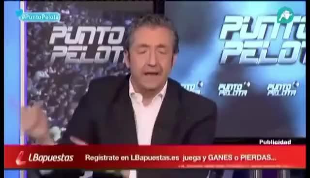 Watch and share JOSEP PEDREROL SE CABREA CON LOS BECARIOS, PUNTO PELOTA GIFs on Gfycat