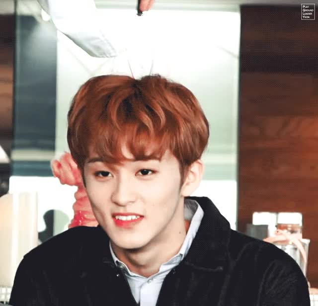 Watch and share 마크 두피마사지 GIFs by PGLY on Gfycat