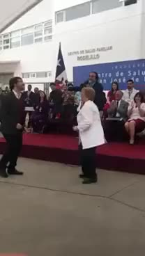 "Watch Bachelet y Sharp bailan ""Un año más"" GIF on Gfycat. Discover more related GIFs on Gfycat"