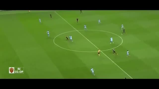 Watch Francesco Totti vs Manchester City 1/10/2014 GIF by @flc1997 on Gfycat. Discover more francesco totti (football player), manchester city f.c. (football team) GIFs on Gfycat