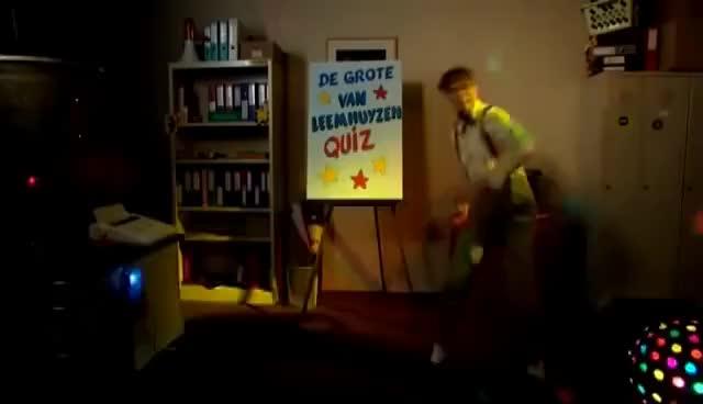 Watch and share Wat Is De Voornaam Van De Burgemeester? - De Grote Van Leemhuyzen Quiz GIFs on Gfycat