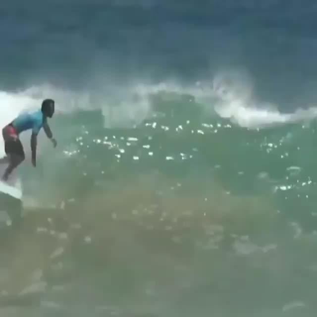 Watch @samuel_igo⠀ .⠀ .⠀ 🎥: @wsl & @guaravitaoficial GIF on Gfycat. Discover more Awesome People Doing Things GIFs on Gfycat