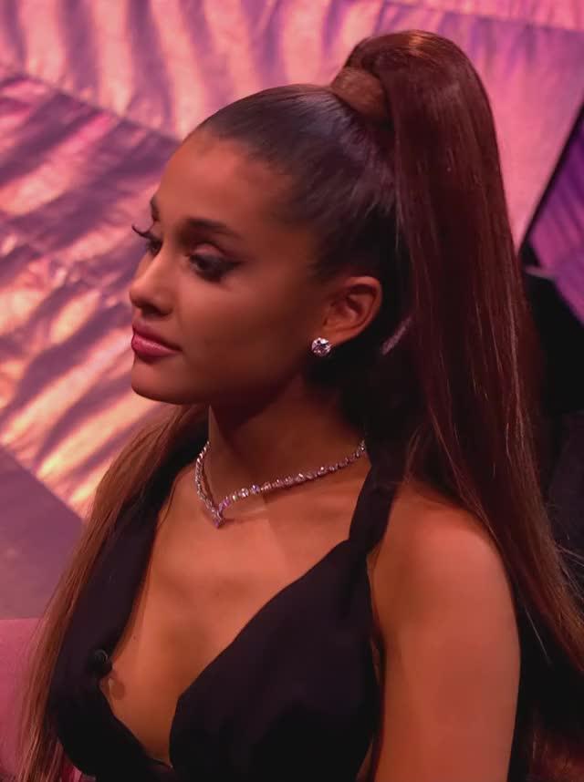 Watch and share 2018-09-07-BBCRadio1HDAI17 GIFs by 😍 Ariana Grande Devotee 😍 on Gfycat