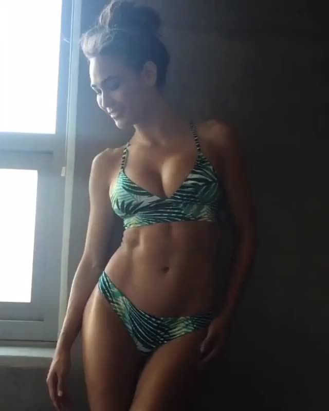 Watch this GIF on Gfycat. Discover more randomsexygifs GIFs on Gfycat