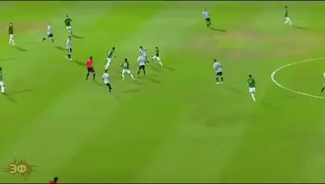 Watch and share Lionel Messi Dribbling 2 GIFs by Эстетика Футбола on Gfycat