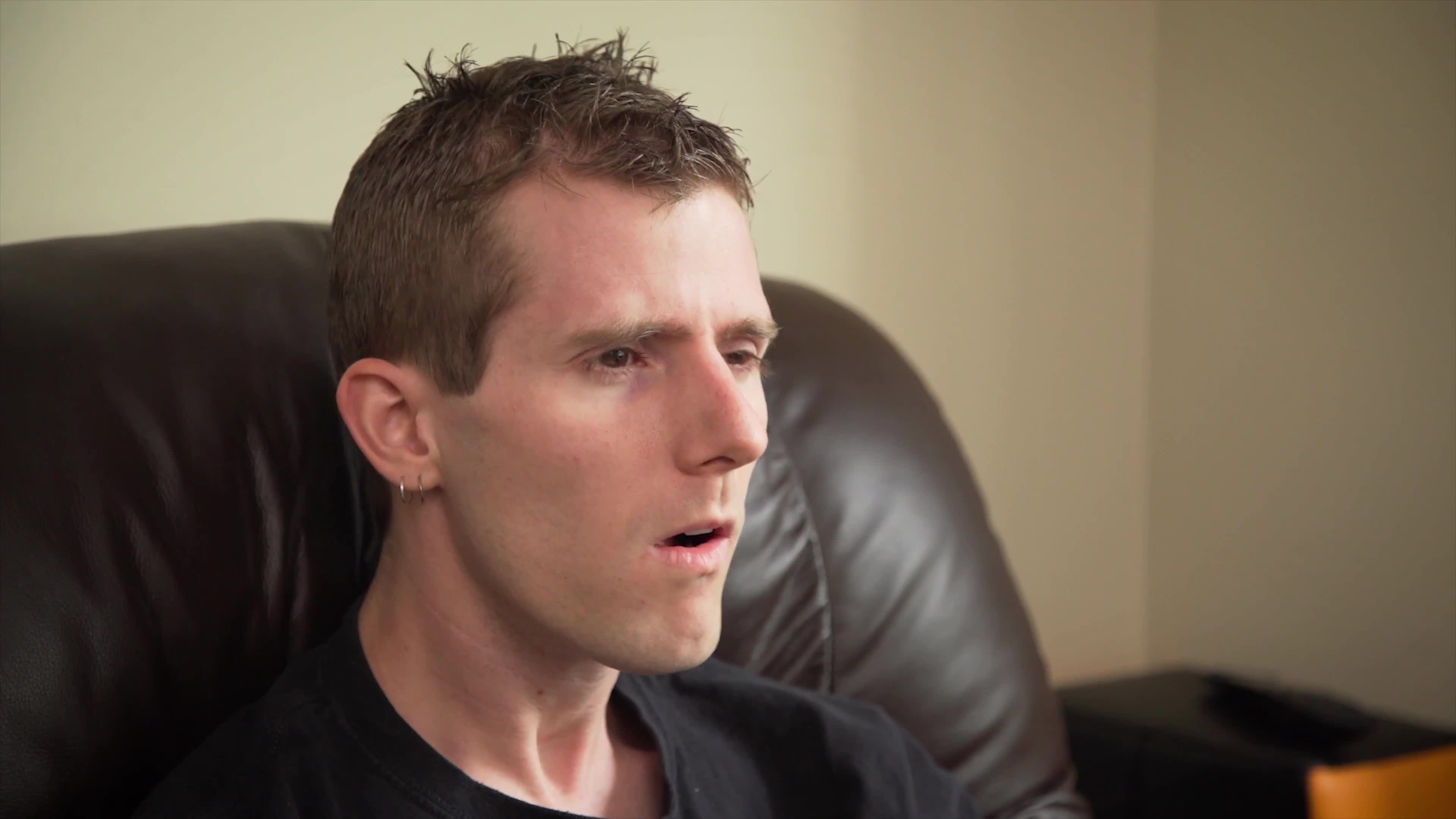 linusfaces, linustechtips, sova, The New King of Couch Gaming? GIFs