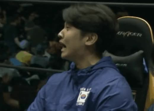 Watch this trending GIF by @5keptic on Gfycat. Discover more jeondding, jeondding face GIFs on Gfycat