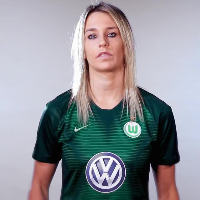 Watch and share 28 PosterJubel GIFs by VfL Wolfsburg on Gfycat