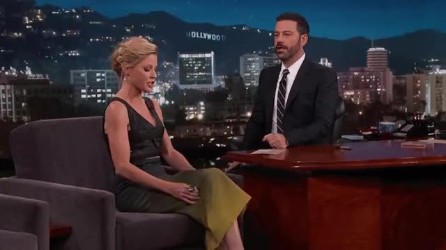 Watch and share Jimmy Kimmel GIFs and Julie Bowen GIFs by Journaliste & Pute on Gfycat