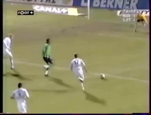 Watch Auxerre 2-2 ASSE - 25e journée de L1 2004-2005 GIF on Gfycat. Discover more All Tags, Football, aja, asse, auxerre, foot, saint-, tienne, verts GIFs on Gfycat