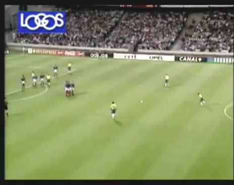 Watch and share Roberto Carlos GIFs and Tiro Libre GIFs on Gfycat