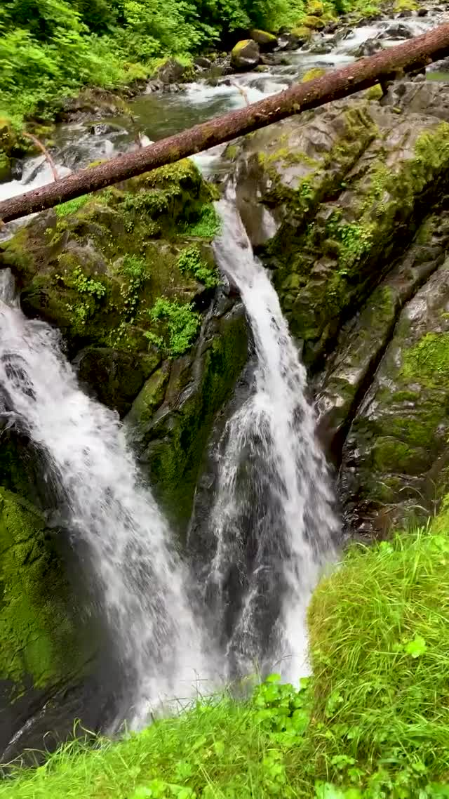 Watch and share Waterfalls GIFs and Waterfall GIFs by Razmig on Gfycat