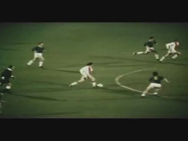 Watch and share Cruijff GIFs and Acties GIFs on Gfycat