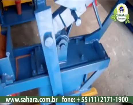 Watch Explicação do funcionamento da prensa Manual de tijolo ecológico de solo-cimento GIF on Gfycat. Discover more related GIFs on Gfycat