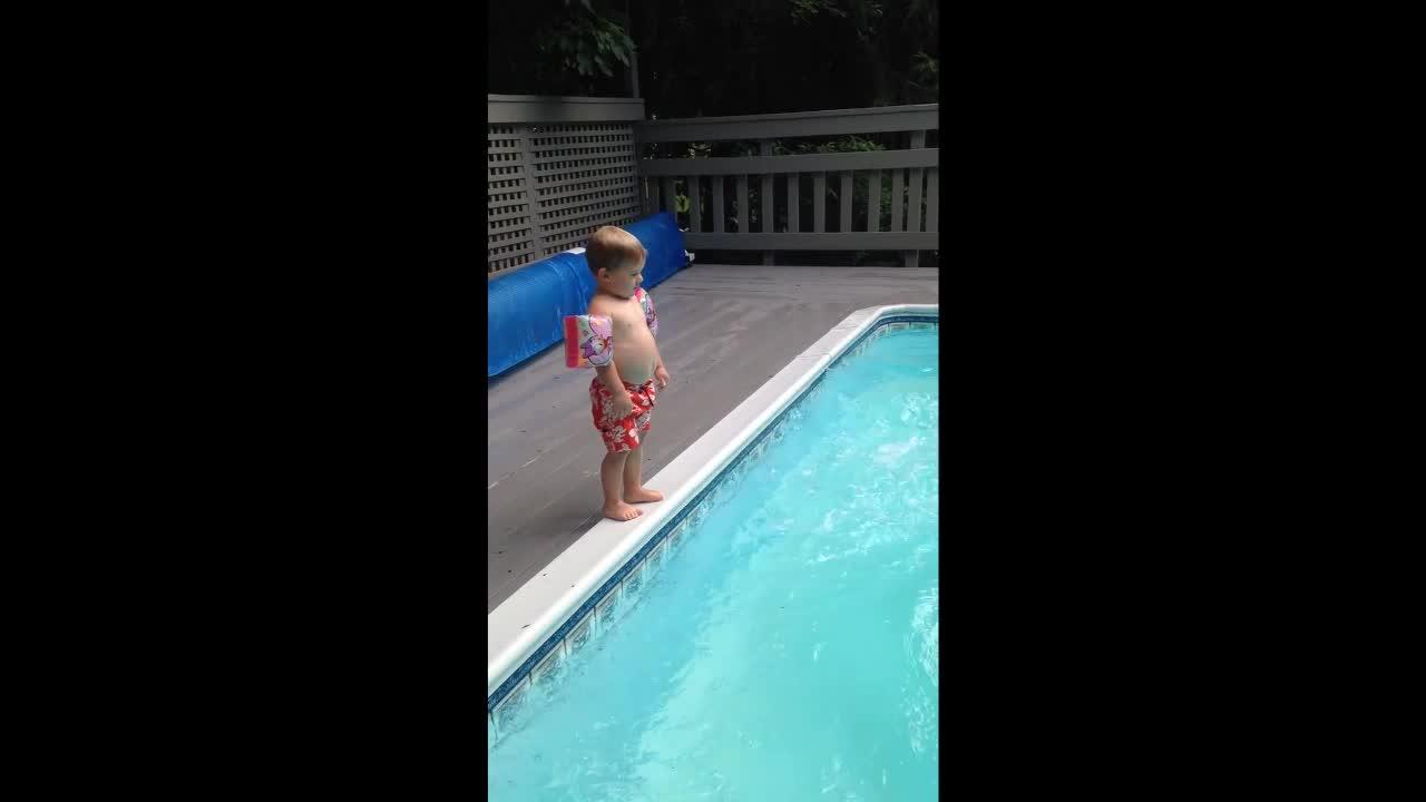 Aqua Jump Gifs Search   Search & Share on Homdor