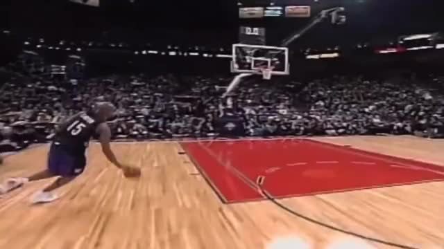 Watch Vince Carter @ Slam Dunk Contest 2000 GIF on Gfycat. Discover more related GIFs on Gfycat