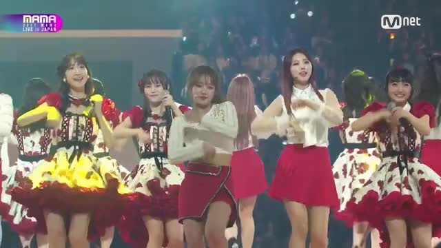 Watch and share 2017 Mama GIFs and 2017마마 GIFs by Koreaboo on Gfycat