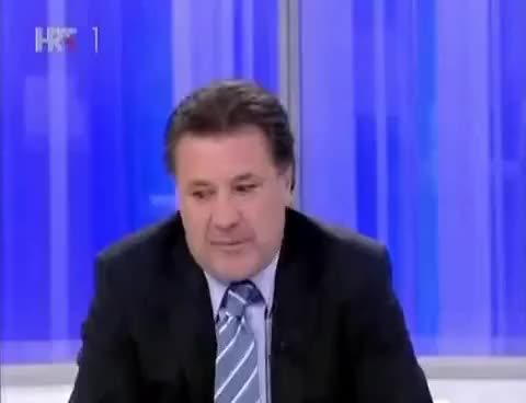 Watch and share Mamić: Špaco, Izljubit Ću Te Kad Te Vidim, Ni Mama Te Nije Tako GIFs on Gfycat