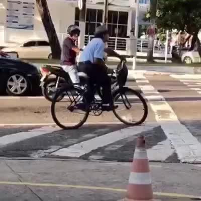 Watch and share Bike GIFs by Ah Negão on Gfycat
